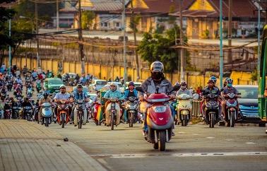 ベトナムは人口ボーナス期!ベトナムの人口構成と今後の予測について人口ピラミッドを用いて解説