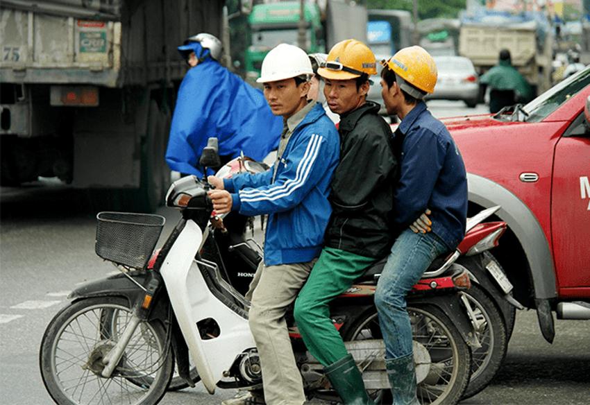 経済成長著しいベトナムの労働市場を解説